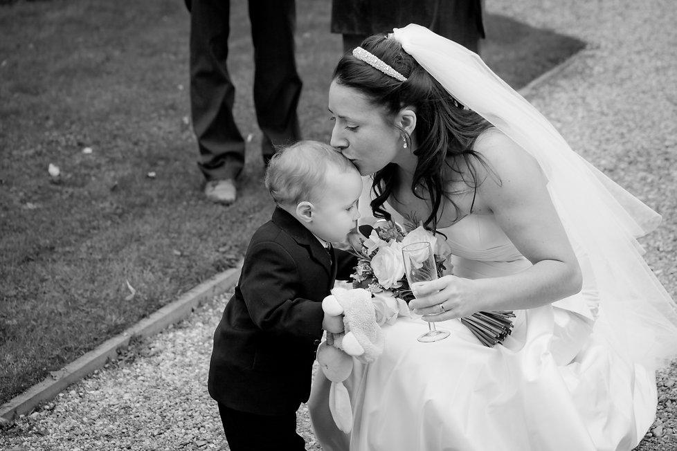 Reportage Kent wedding photographer