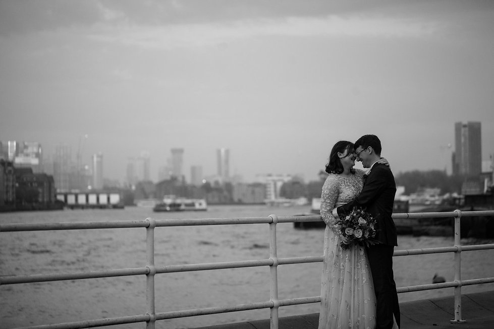 London wedding photographer, Tower Bridge, Blueprint Cafe 09