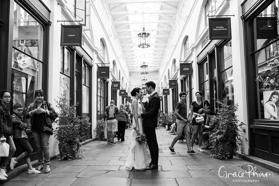 Covent Garden Market Wedding Photography, London by Grace Pham 20