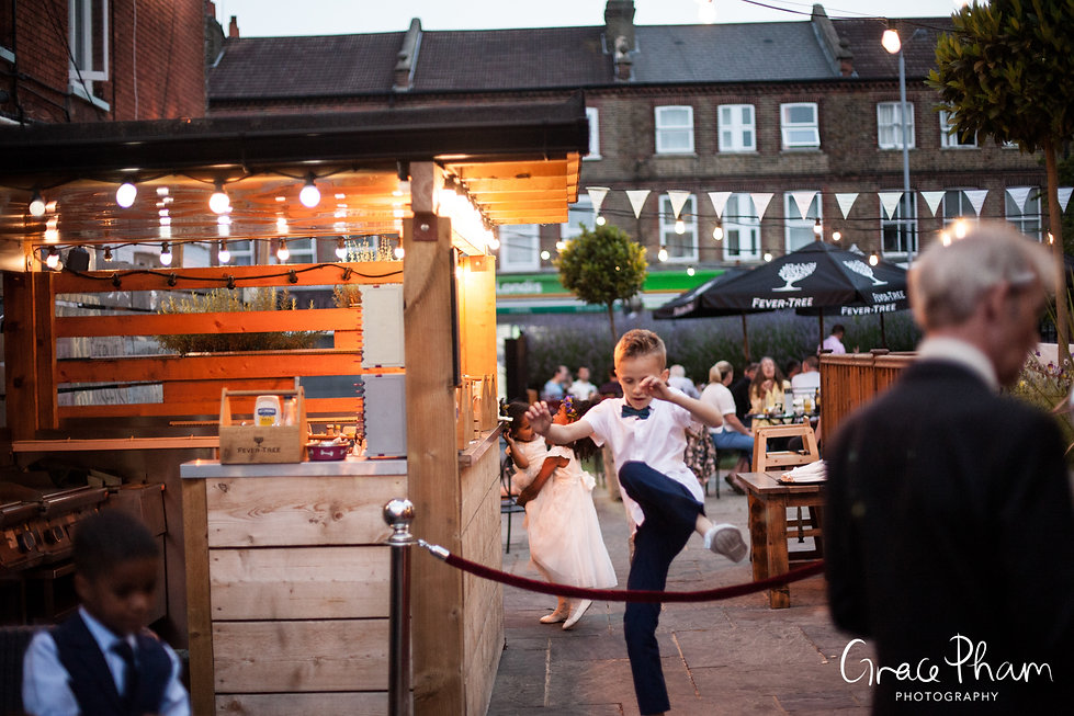 The Country Arms Pub Wedding, The Belvedere, London, captured by Grace Pham Photography 22