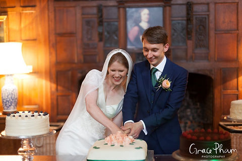 Hampden House Wedding, Great Hall by  Buckinghamshire Wedding photographer  03