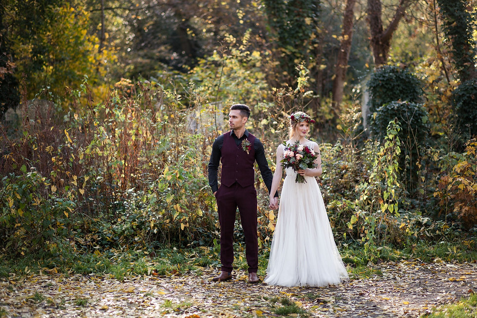 Boho Autumn elopement styled shoot, tower hamlets cemetery, east London wedding, Grace Pham photography 14