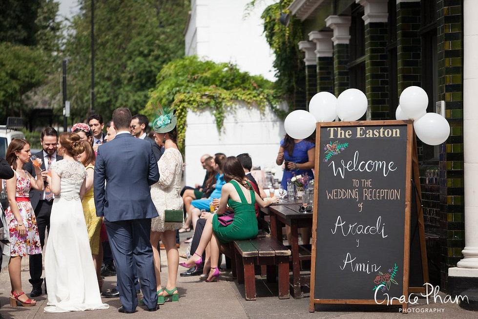 The Easton Pub wedding reception, Clerkenwell, London. Images by Grace Pham Photography 01