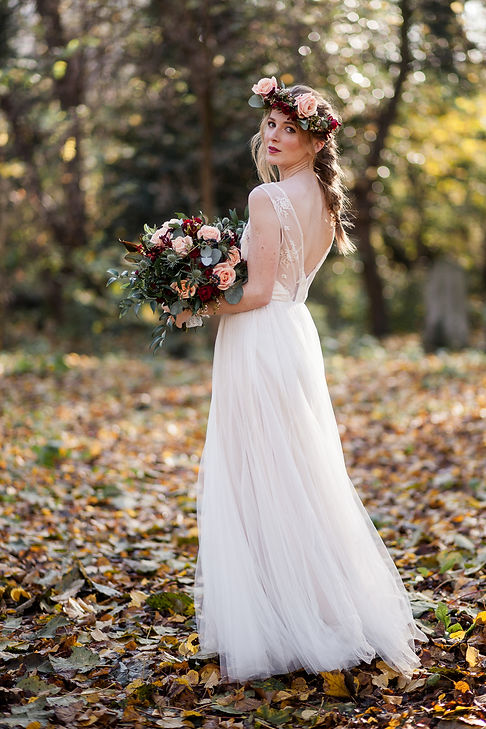 Boho Autumn elopement styled shoot, tower hamlets cemetery, east London wedding, Grace Pham photography 07