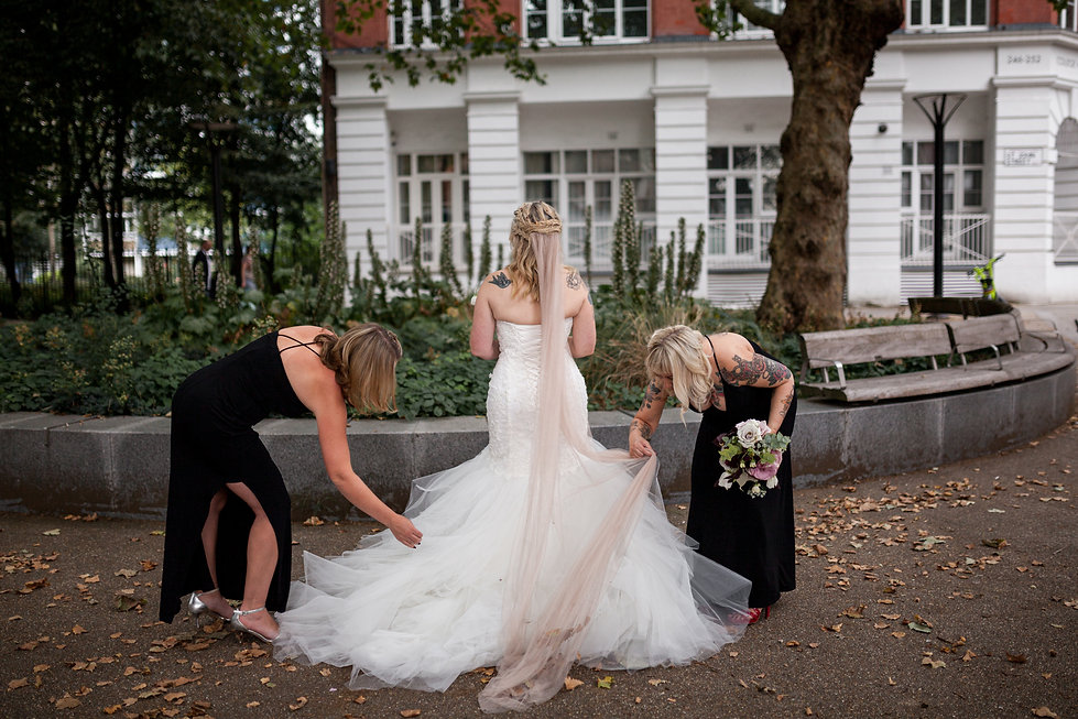 The Peasant pub wedding, London, captured by Grace Pham Photography, Bridesmaids