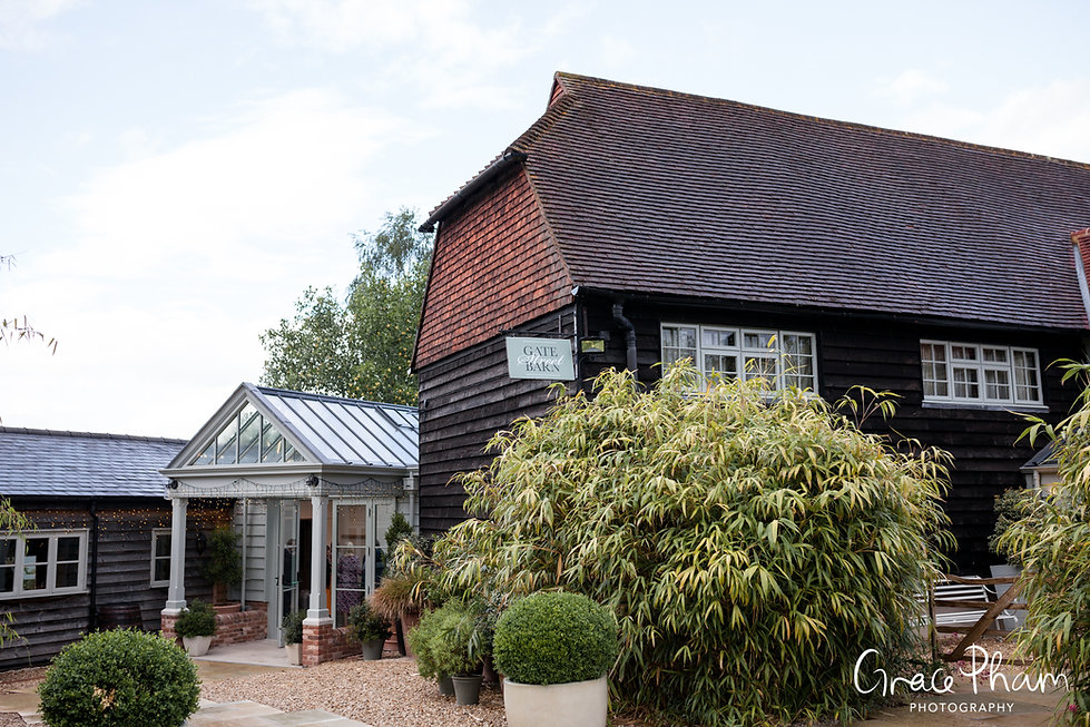 Gate Street Barn Wedding, Guildford, captured by Grace Pham Photography