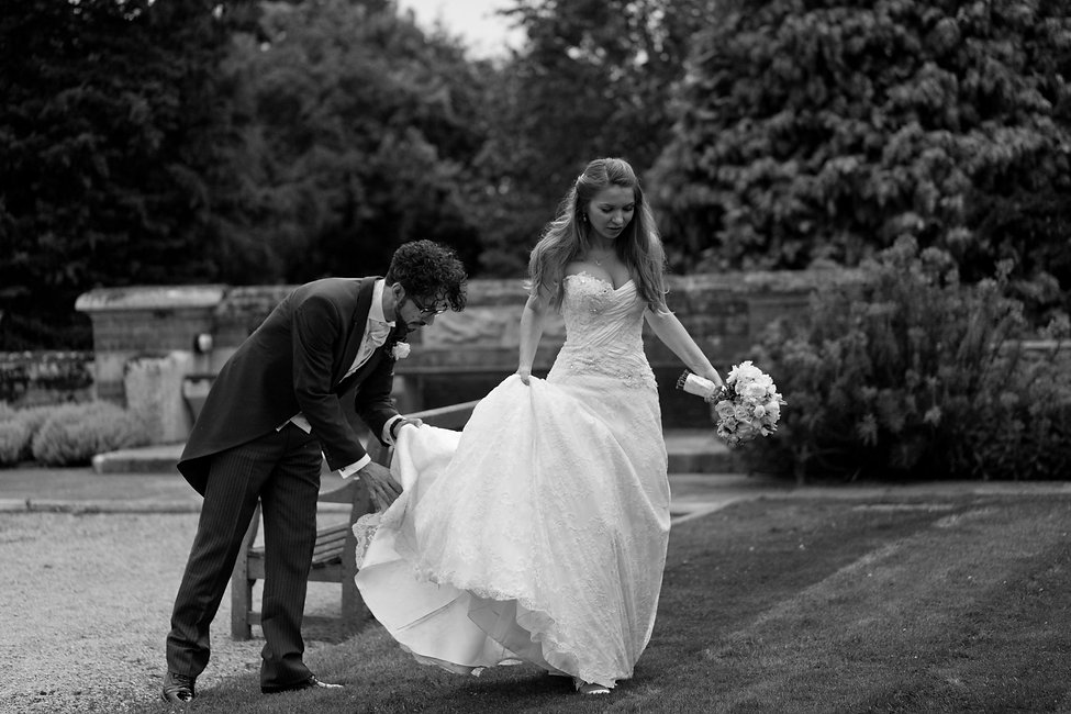 Warren House wedding captured by Grace Pham Wedding Photographer. Warren House is a beautiful wedding venue in Surrey with the tranquil gardens and grand Victorian country house.