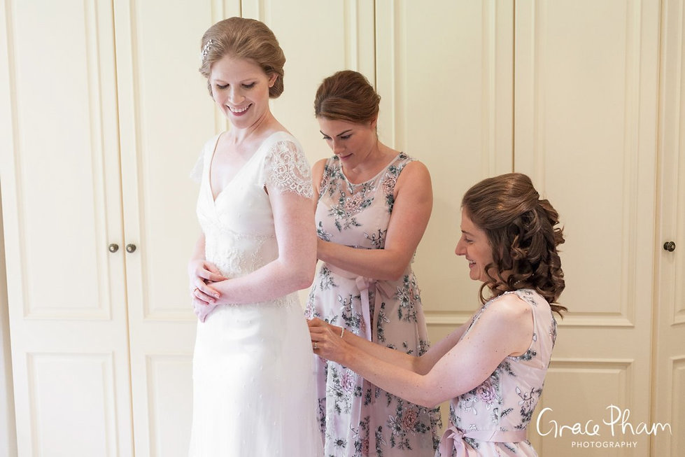 Bridal preparation at The Limes, Broombarn Lane, HP16 9PF by  Buckinghamshire Wedding Photography  01