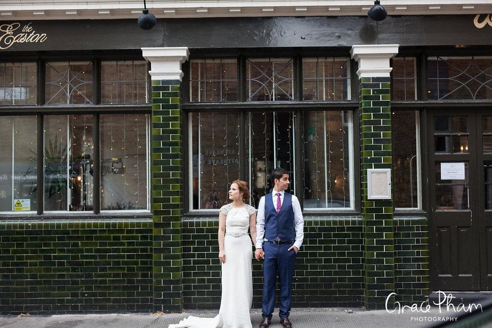 The Easton Pub wedding reception, Clerkenwell, London. Images by Grace Pham Photography 02