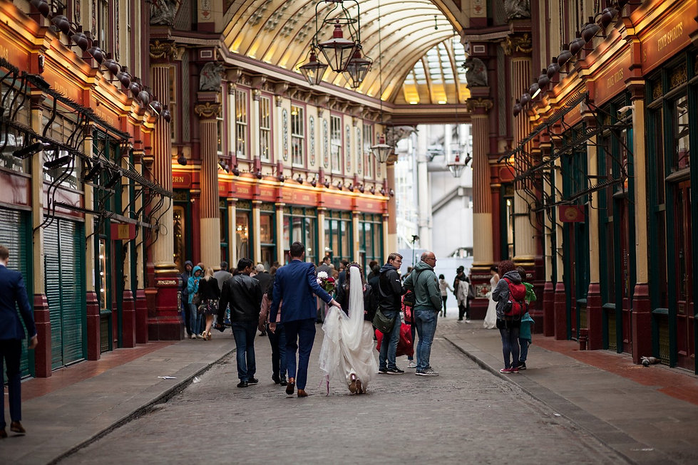 The Lamb Tavern Leadenhall Market Wedding captured by Grace Pham Photography May 2018 02