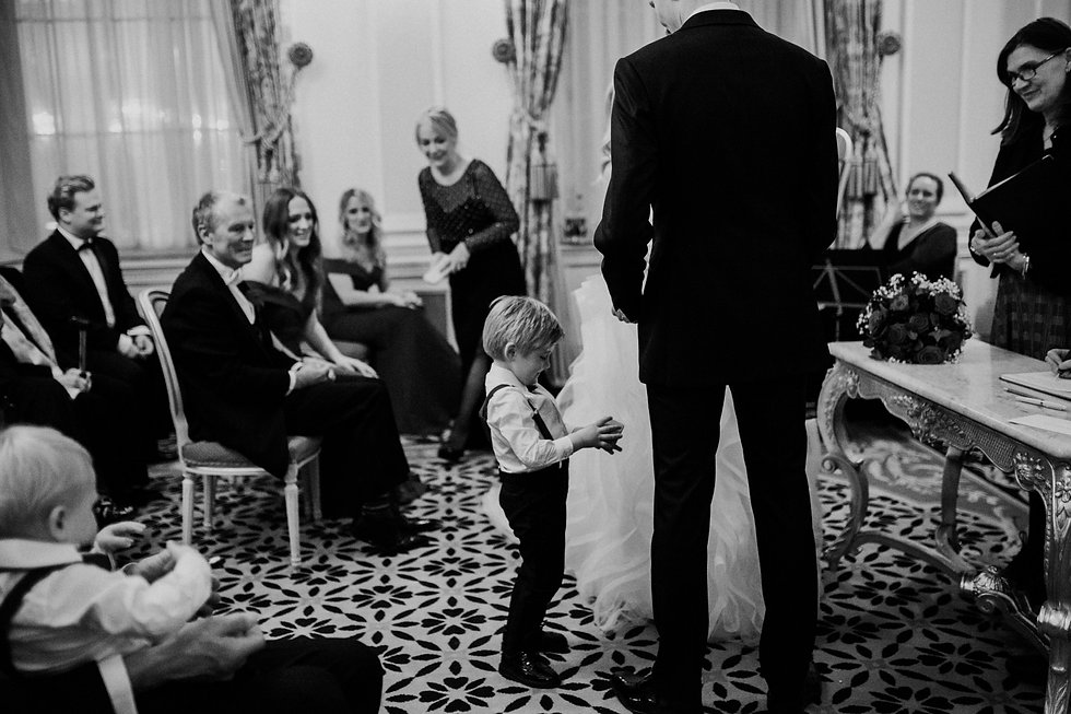 Wedding at The Ritz, London, captured by Grace Pham Photography 11