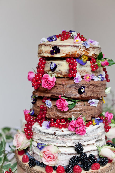 Naked wedding cake by edible food designs