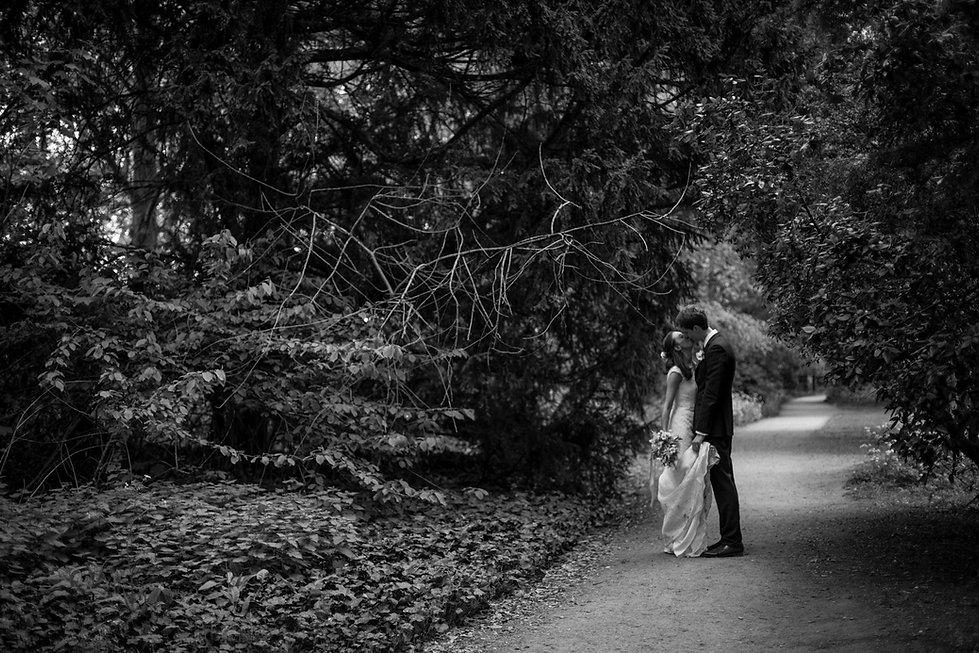 Fulham Palace Garden Wedding Photographer 05