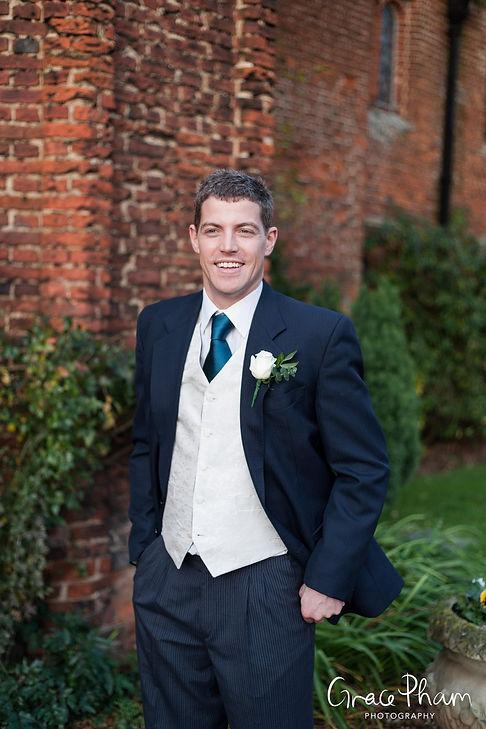Leez Priory, Chelmsford- Essex Wedding Photographer 09