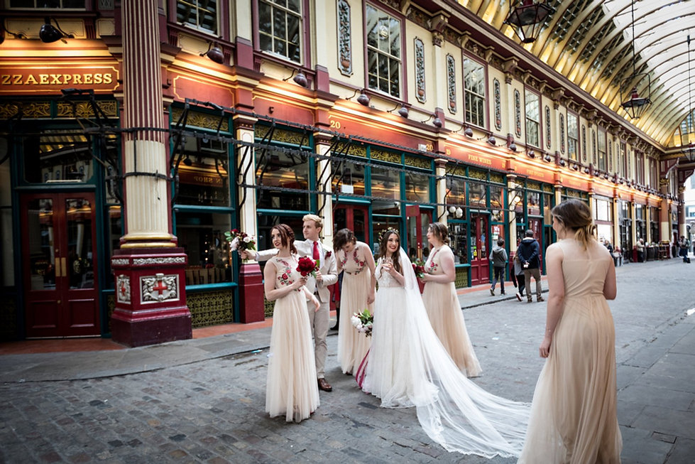 The Lamb Tavern Leadenhall Market Wedding captured by Grace Pham Photography May 2018 3