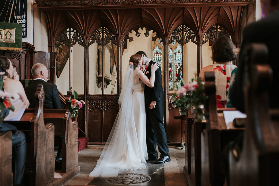 St Mary's Church Wedding, Wootton captured by Grace Pham Photography 09