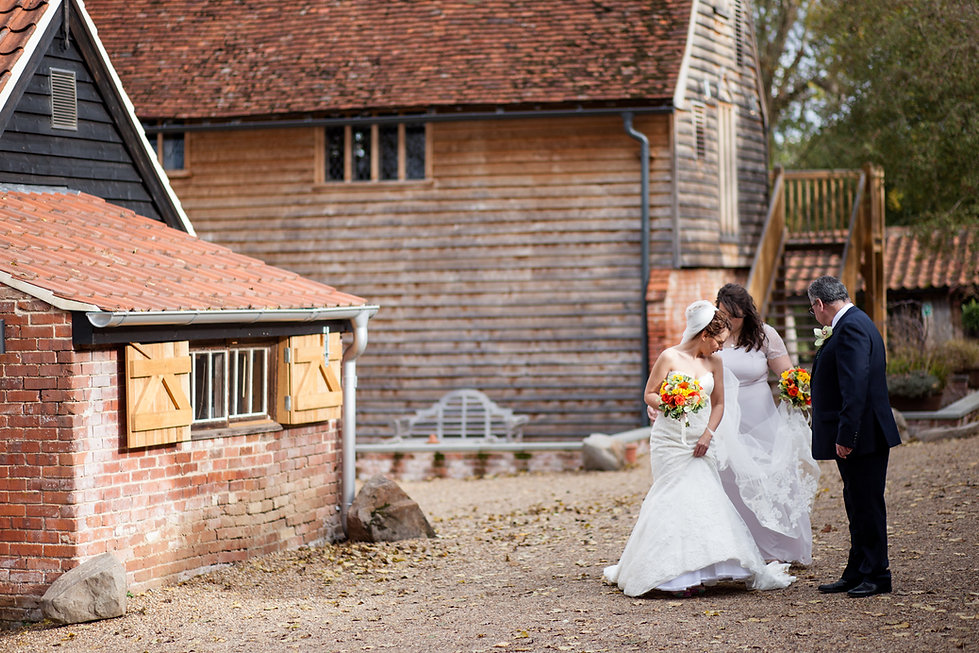 The Tudor Barn Belstead Wedding, Ipswich, Suffolk, captured by Grace Pham Photography 01