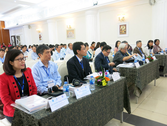 VIETNAM POLICY FORUM ON BUILDING LIFELONG LEARNING MODELS