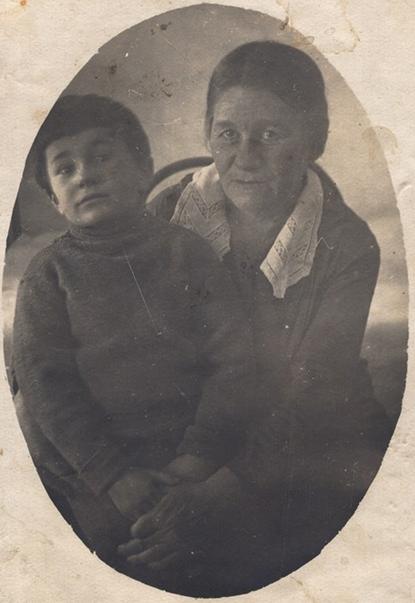 Серпик Лидия Леонтьевна и Дима.png