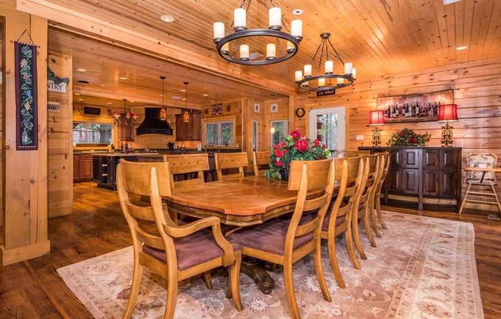EN Dining Room.jpg