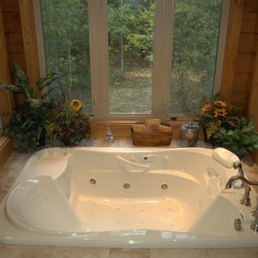 Master bathroom tub.jpg