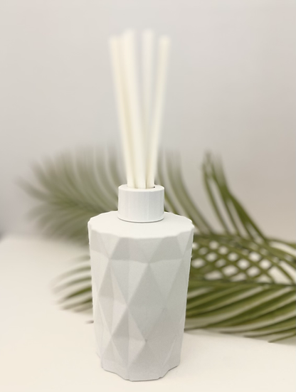 Luxury Geo Reed Diffuser - Matt White