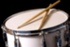 snare-drum-drum-sticks-10617210.jpg
