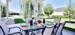 12-Terrace-Dining-great-views-home