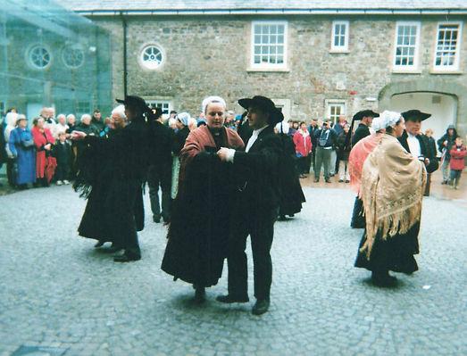 Breton dancing.jpg