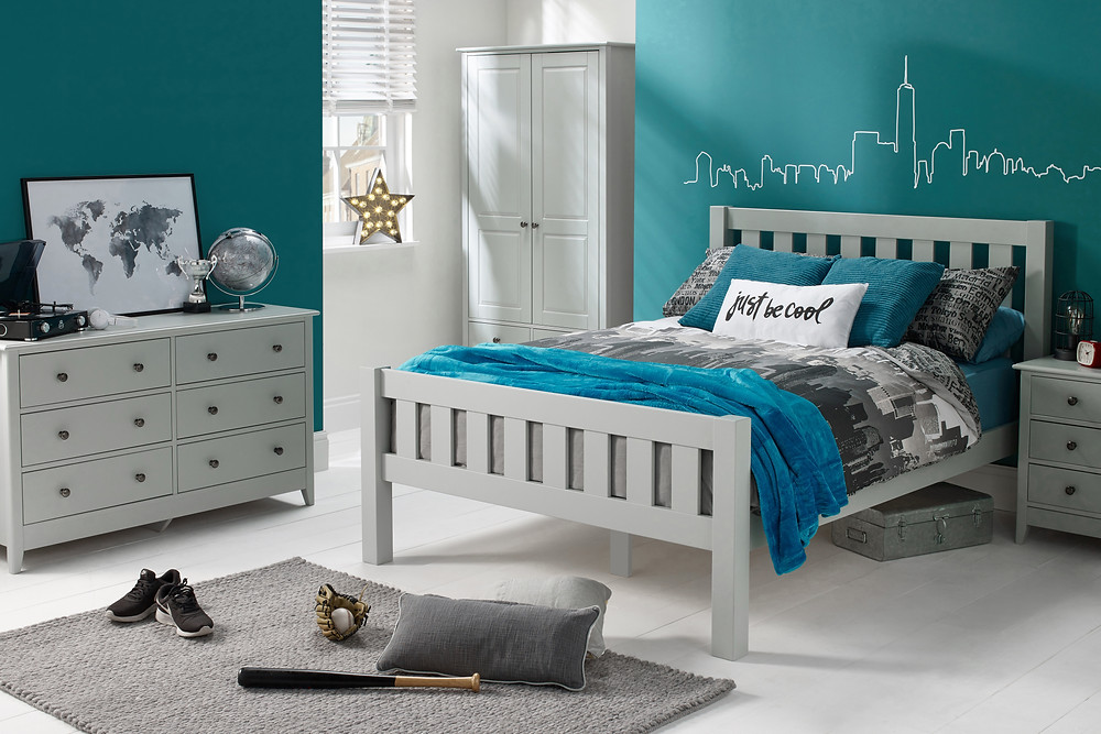 Tween boys' room