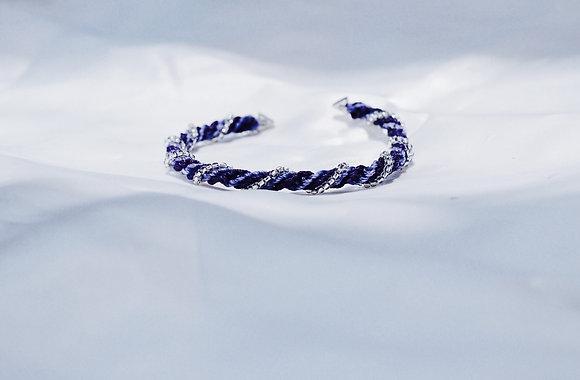 BANGLE - SWIRL iii WHITE BLUE