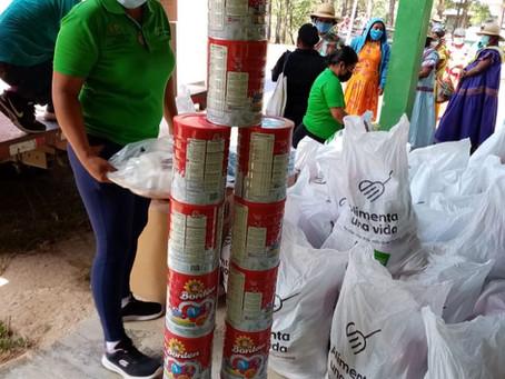 Padrinos Escolares donan 2,100 bolsas de alimentos a familias de Cañazas.