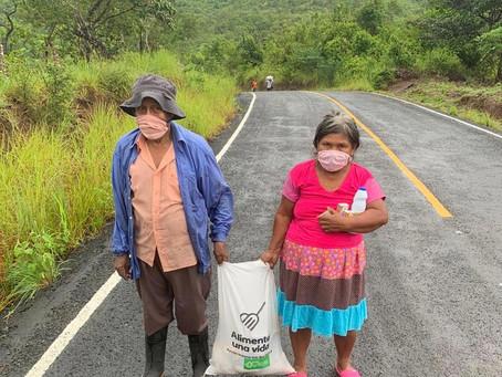 Seguimos entregando cajas de alimentos a la comunidad de Cañazas.