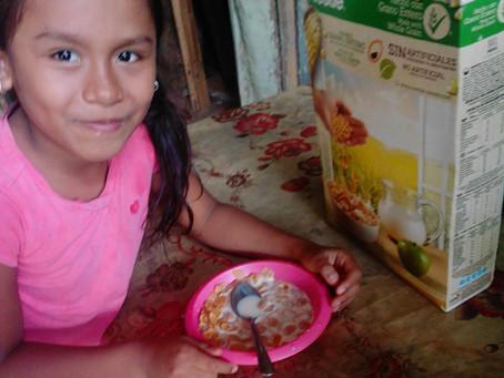 6,248 cajas de cereales que complementan nuestro Programa de Alimentos para 2,700 familias.