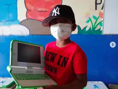 Entregamos computadoras a 350 estudiantes del Programa Educativo Una Computadora Por Niño. 
