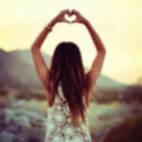 girl-hair-hand-heart-Favim.com-1748361.j