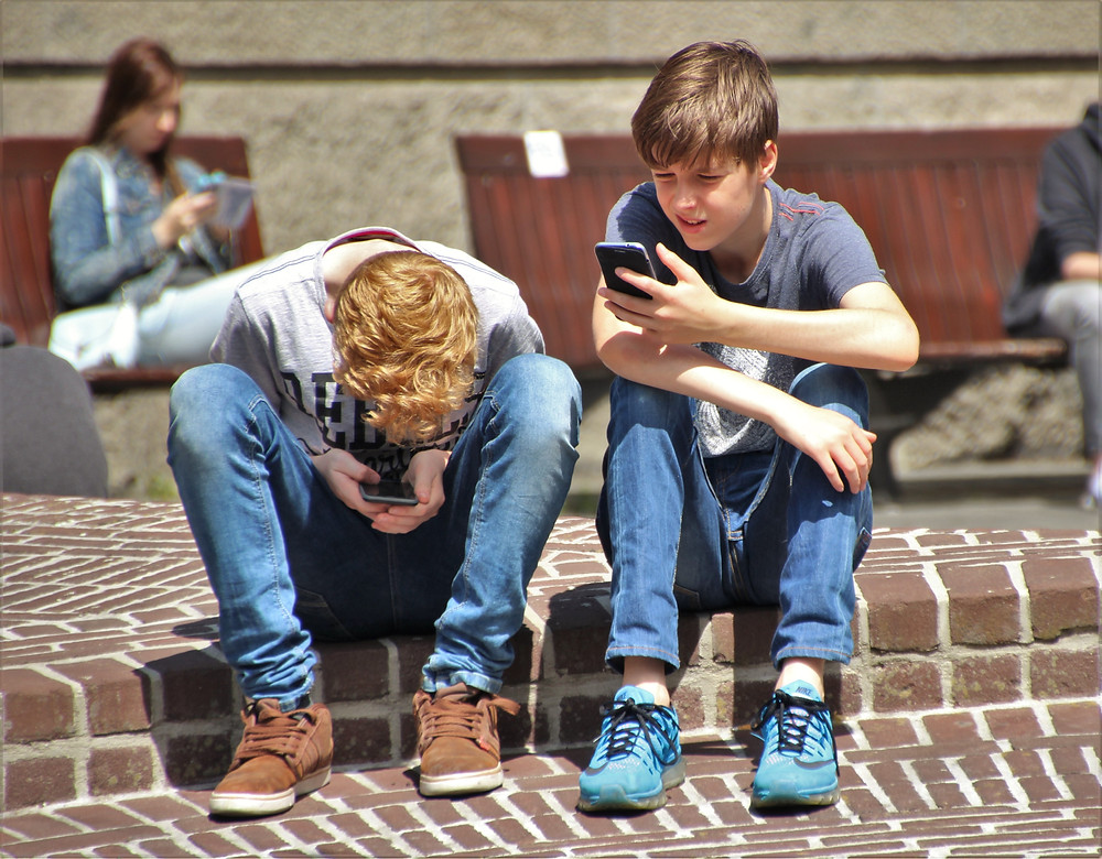 boys cellphone