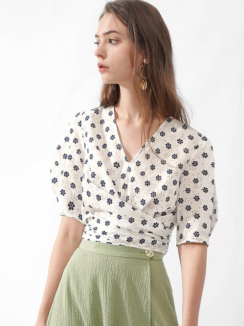 Cropped waist ribbon Top