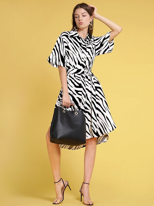 Abstract pattern black and white dress