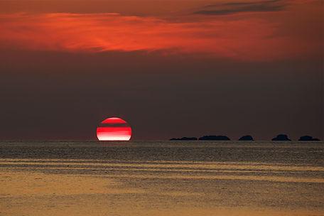 Big sun sunset web.jpg