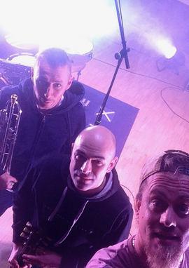 2 Ohms load en studio de répétition Chaux des Prés Jura