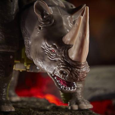 Transformers Generations War for Cybertron: Kingdom Voyager Rhinox
