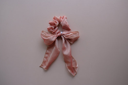 in 2020 I will... GIVE COMPLIMENTS SCRUNCHIE