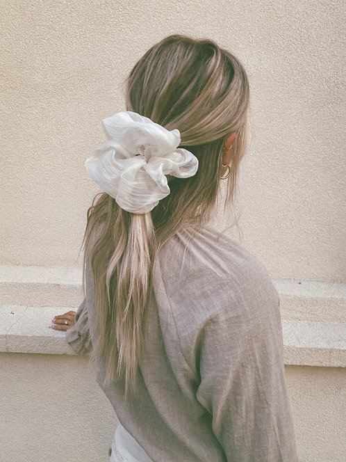 I'VE SEEN THIS FILM BEFORE OVERSIZE SCRUNCHIE