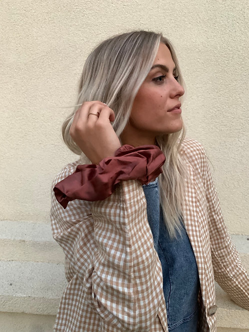 THE ONE OVERSIZE SCRUNCHIE (2 colors)