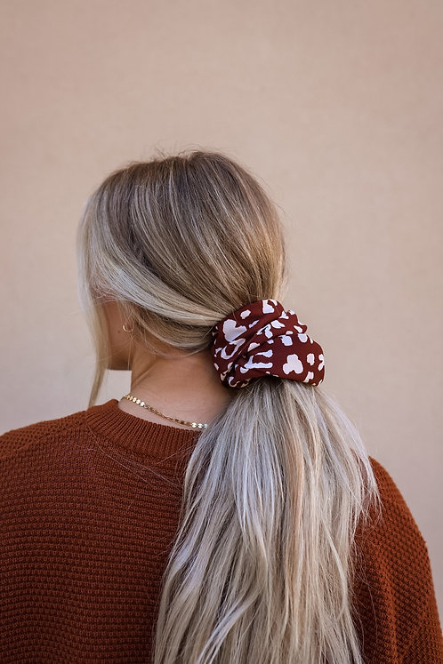 RAVEN OVER SIZED SCRUNCHIE