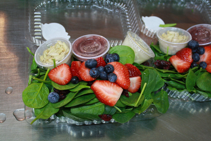 Spinach and Raspberry Vinaigrette salad