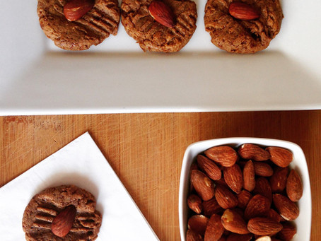 4 Ingredient Almond Cookies