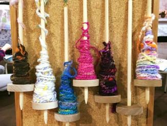 糟屋郡宇美町ギャラリー旬花でも糸紡ぎ。