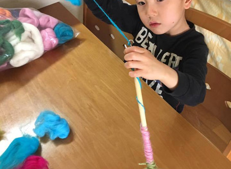 春休み。子どもたちの糸紡ぎ体験